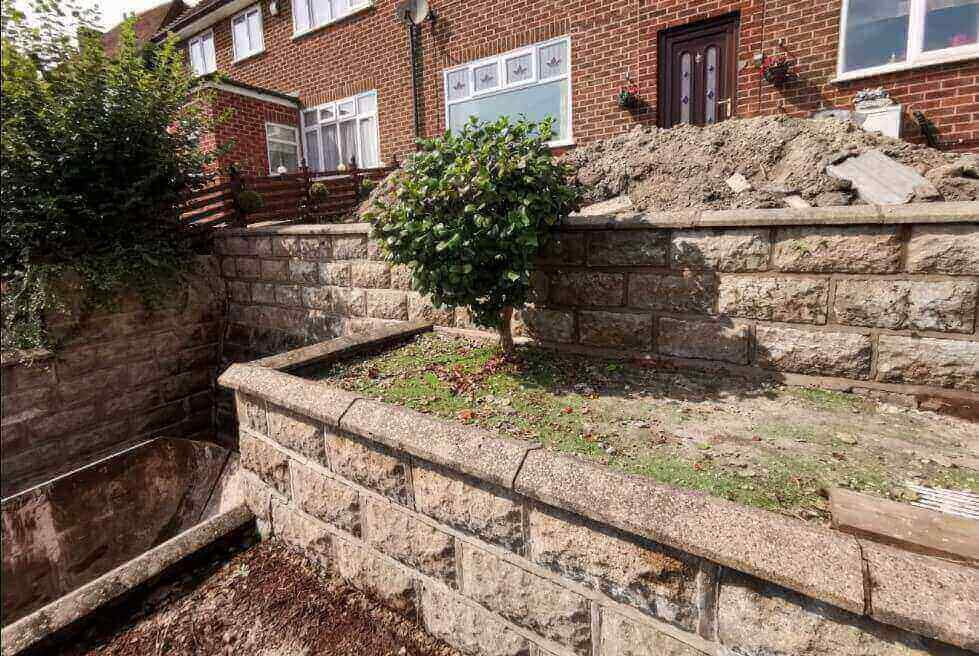 Front View of retaining wall works Leicestershire
